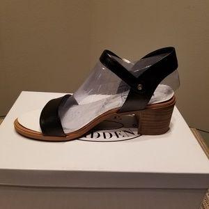 New Steve Madden black sandals
